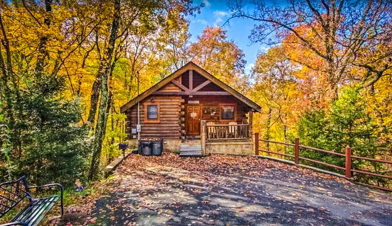 This cabin in Pigeon Forge is a perfect place to visit in autumn.