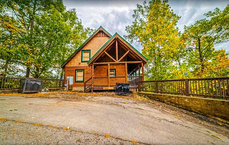 A cabin in Pigeon Forge that is perfect for the whole family.