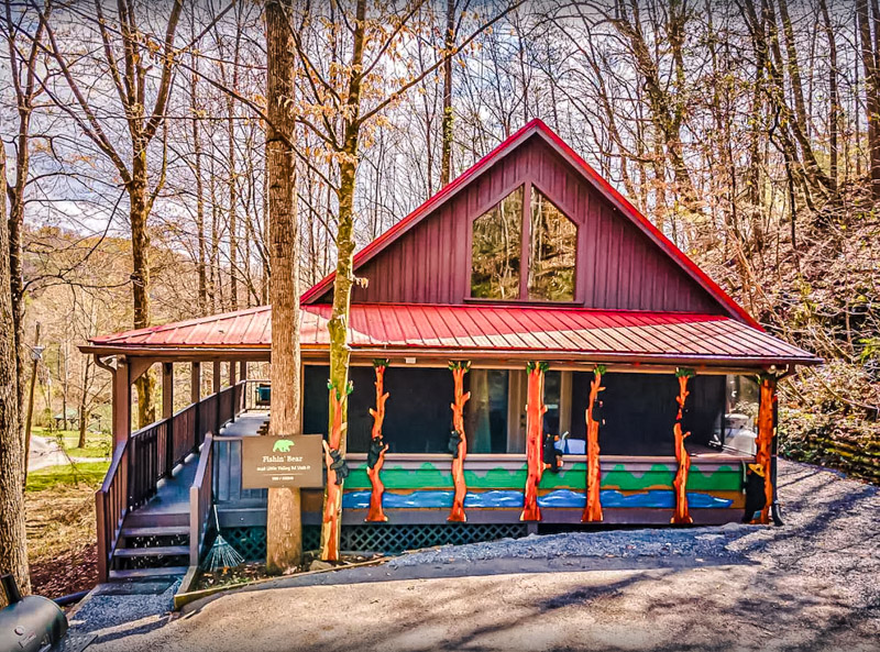 A colorful cabin rental in Pigeon Forge, TN.
