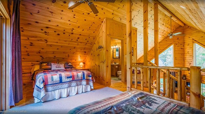 bedroom of the lake rental in wisconsin