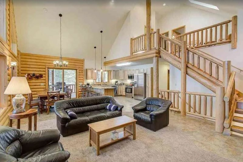 living area of this lake hosue in wisconsin