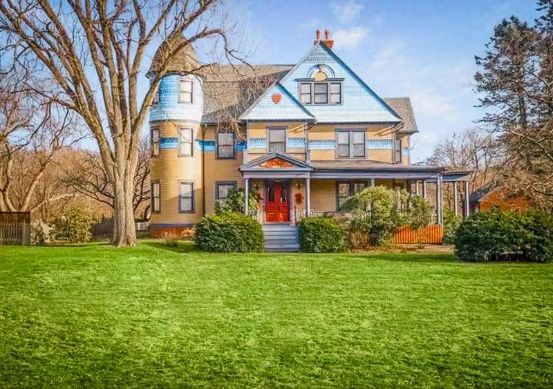 Beautiful Victorian-era home in CT